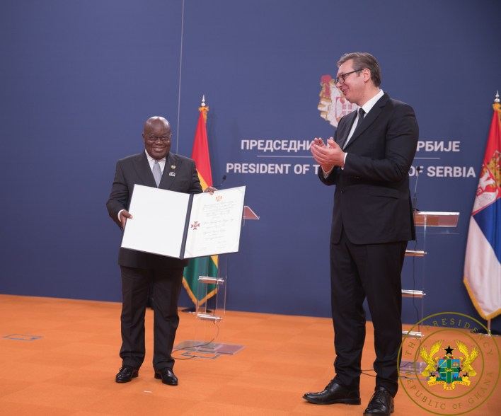 President Akufo-Addo receives the citation from the Serbian President
