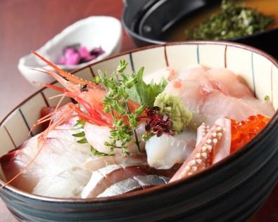 朝採れ鮮魚の海鮮丼※2人前 1,400円