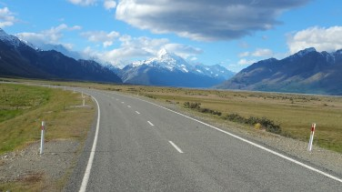 on-way-to-mt-cook