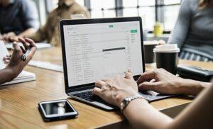 İşveren Çalışana Verdiği E-posta Hesabını Denetleyebilir Mi?