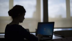 İnternette İzinsiz Yardım Toplayanlara Para Cezası Uygulanacak