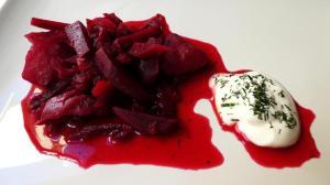Verduras del borsch con crema agria