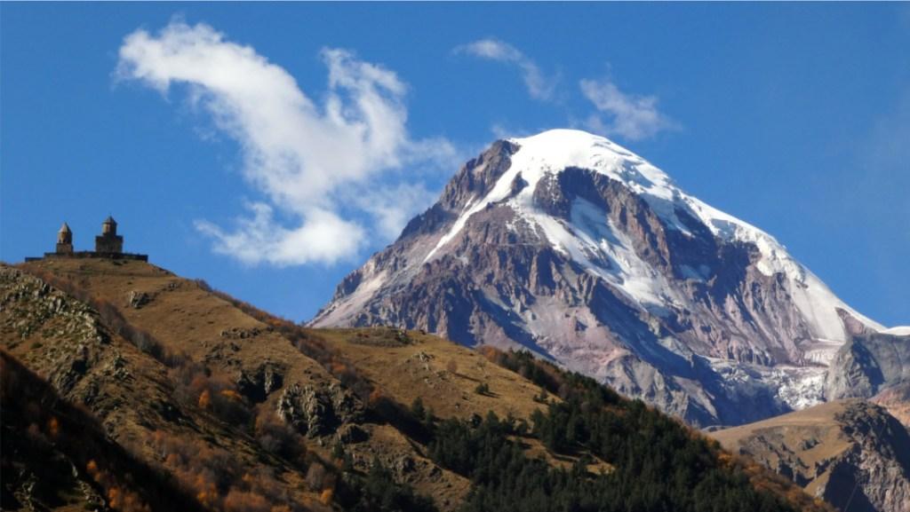 Trekking Kazbegi - Iglesia