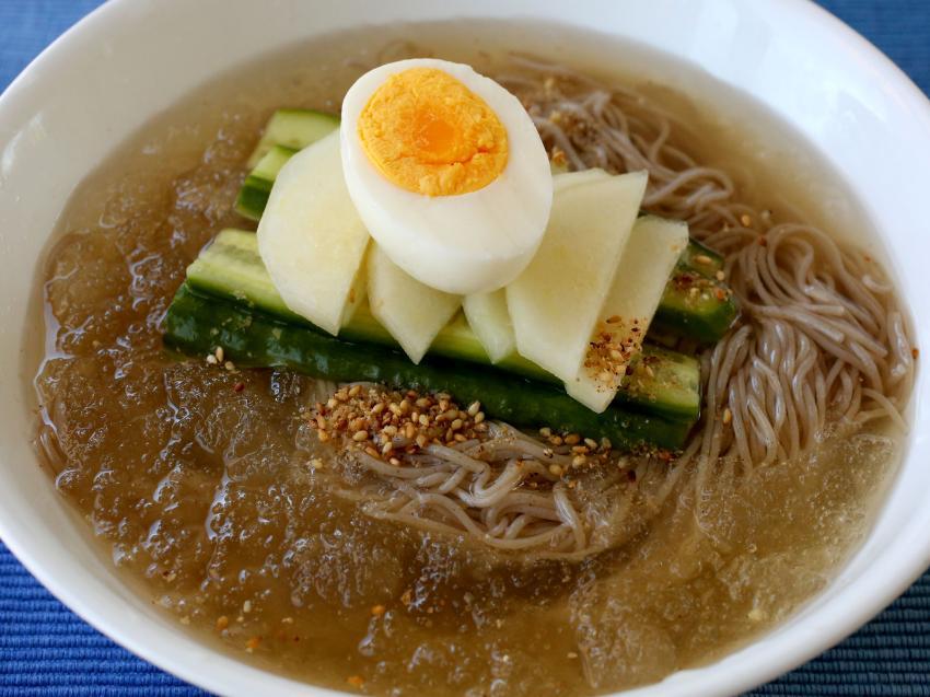Sopa fría coreana