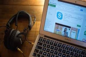 Skype-Listen-to-Your-Conversation