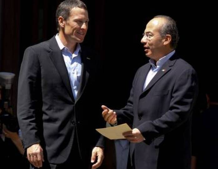 The administrations of Felipe Calderón and Enrique Peña Nieto paid vacations, conferences and visits to 43 celebrities (Photo: Sáshenka / Cuartoscuro)