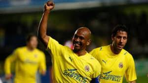 The Brazilian naturalized Spanish played eleven seasons in the Yellow Submarine (from 2002 to 2013)