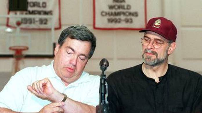 Jerry Krause had discussions with Phil Jackson (Grosby)