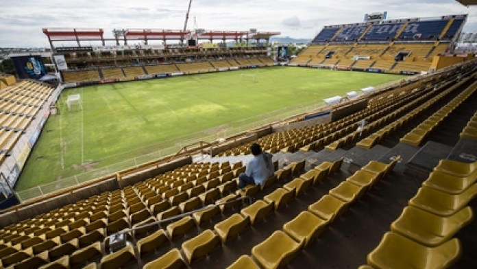 A year ago Dorados lived moments of glory with the arrival of Diego Armando Maradona on his bench. Today he cannot pay wages (Photo: AFP)