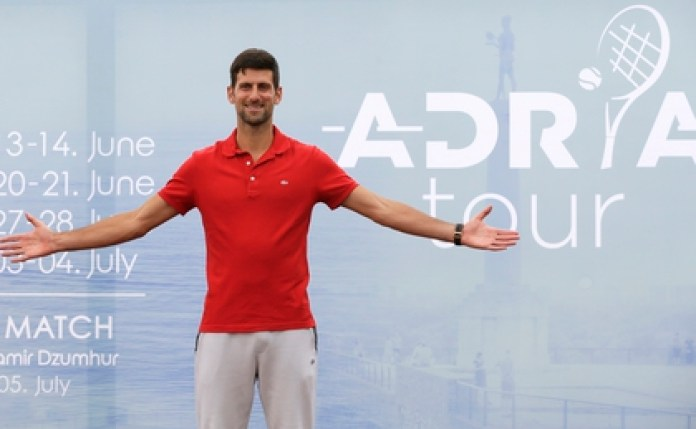 Novak Djokovic says he talks about controversial issues to share his experience (EFE)