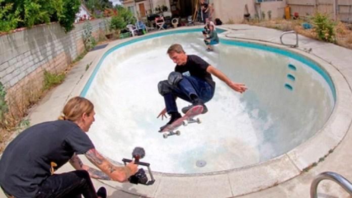 Tony Hawk was injured during a jump (@ozzie_ausband)