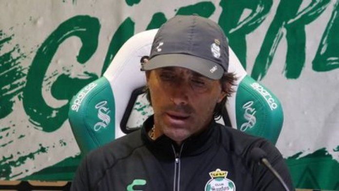 Guillermo Almada pointed out that we must get used to this new normality (Photo: Courtesy / Santos Laguna)