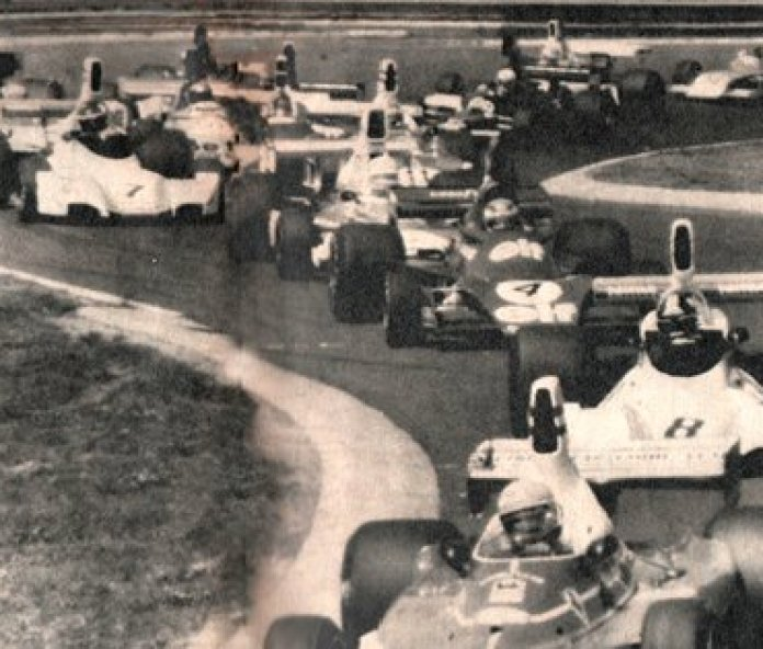 The first meters with Niki Lauda, José Carlos Pace, Patrick Depailler, Jochen Mass and Carlos Reutemann, who was already fifth (CORSA Archive).