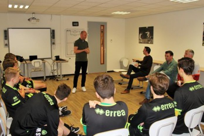 The Foundation gives workshops in football clubs and sports institutions (Facebook John Blankenstein Foundation)