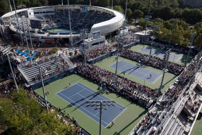 On a typical day, the Billie Jean King National Tennis Center hosts 50,000 people including players, spectators, organizers and journalists. This time the picture will be totally different (Uli Seit / The New York Times)
