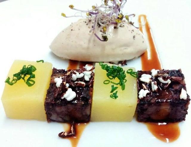 Helado de foie con camaïot, manzana y trufa