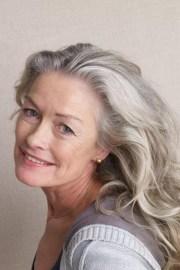 kapsels halflang grijs haar