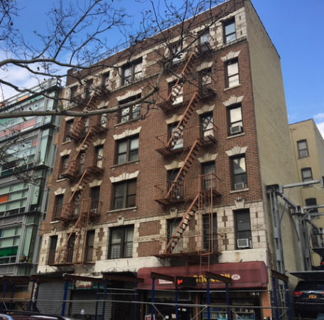 Photograph of 21 East 104th Street building.