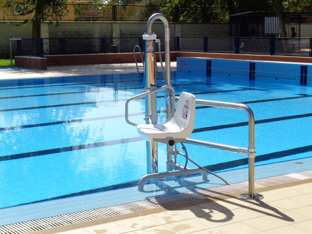 elevador para piscina accesibilidad minusvalidos grua