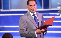 (Video) Pastors are not ordinary people, anyone who assaults a pastor is in danger – Pastor Chris Oyakhilome 2