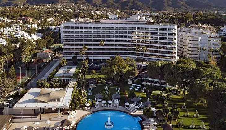 British tourist plunged to his death and killed a local man on the ground after falling from 7th floor of Marbella hotel in Spain 1