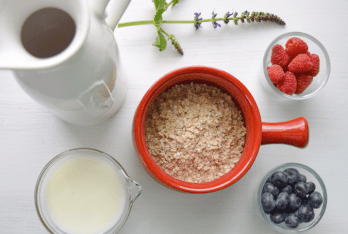 Photo of simple overnight oats ingredients