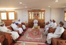 صورة محافظ شمال الشرقية يلتقي أعضاء لجنة الصحفيين بمحافظتي جنوب وشمال الشرقية..