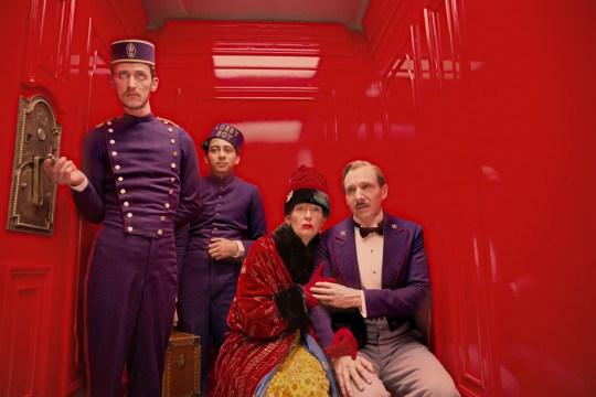 Tony Revolori (Zero Moustafa), Tilda Swinton (Madame D.), Ralph Fiennes (M. Gustave)