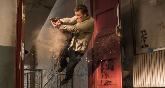 Luke Bracey interpreta a Mason, el ex-discípulo de Peter que intenta atraparlo.
