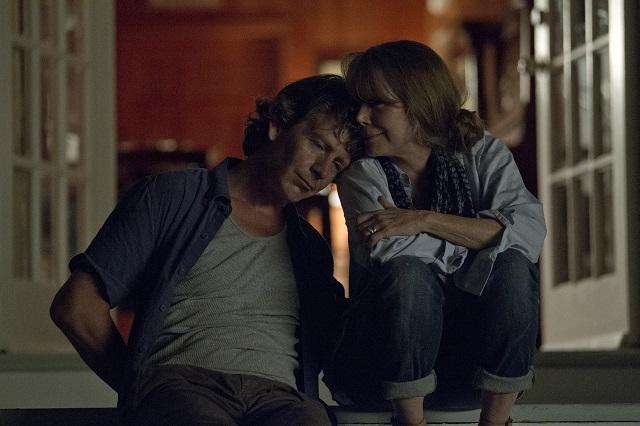 Ben Mendelsohn Ben Mendelsohn (Danny Rayburn) y Sissy Spacek (Sally Rayburn).
