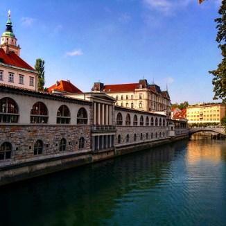 Margens Ljubljanica Plecnik mercado Ljubljana