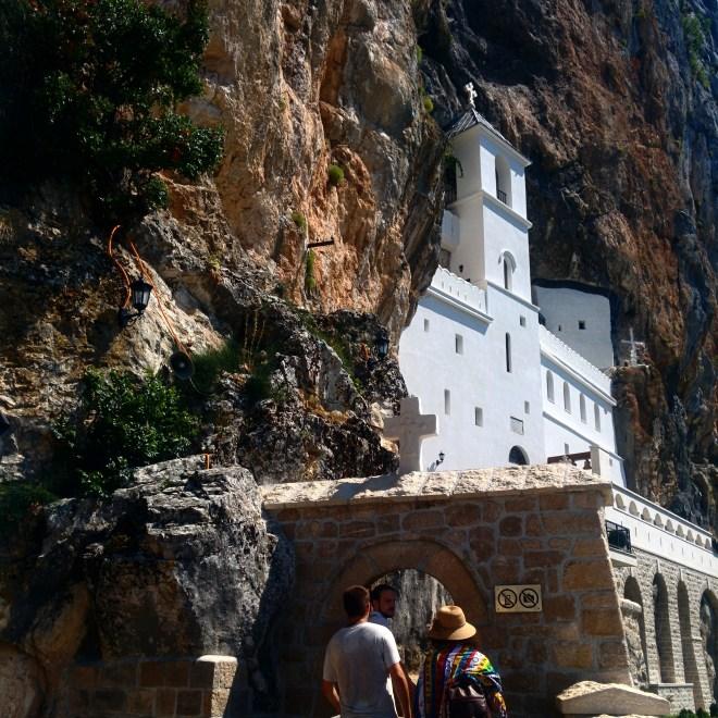 monasterio-de-cima-2-ostrog