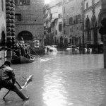 inundacao-de-florenca-credito-swietlan-kraczyna