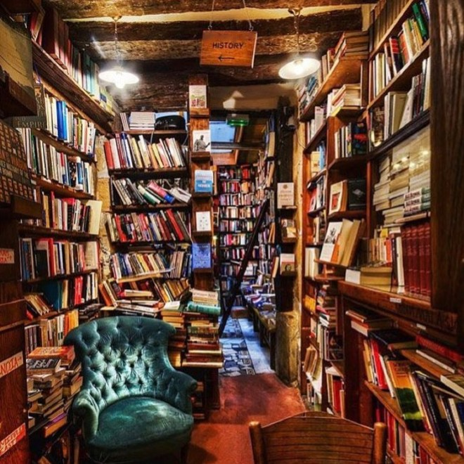 shakespeare-and-co-interior-4
