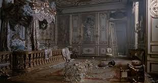 pinnland-empire-destroyed-room-marie-antoinette