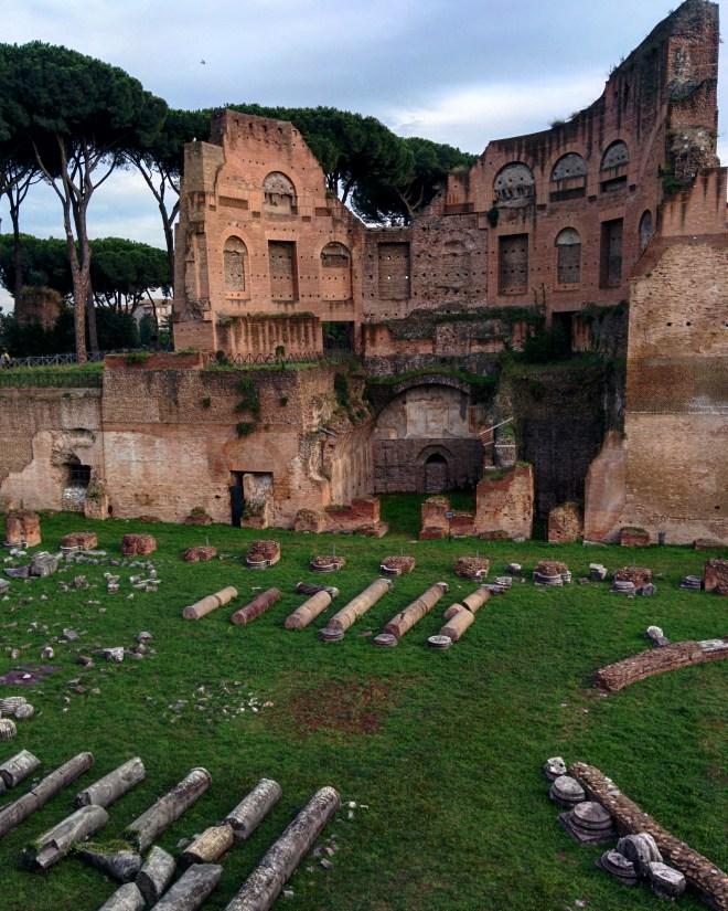 Palatino Estadio Diomiciano com a domus severiana atrás