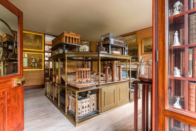 soane-private-apartments-tour-model-room