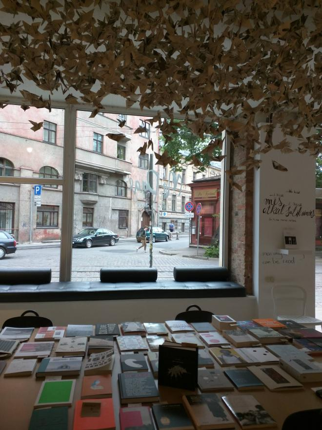 Letonia Riga livraria mr page 3