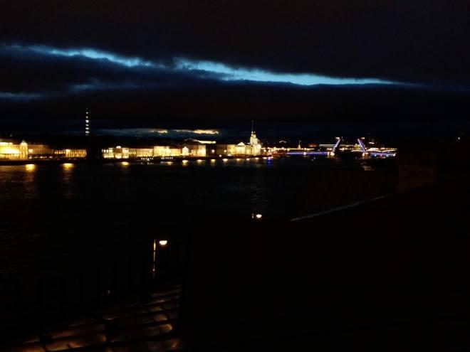 petersburgo telhado noites brancas vista ponte palacio abrindo pontes cantantes