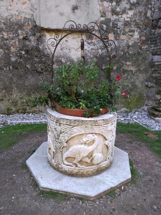 Lago de Garda Sirmione poço centro historico