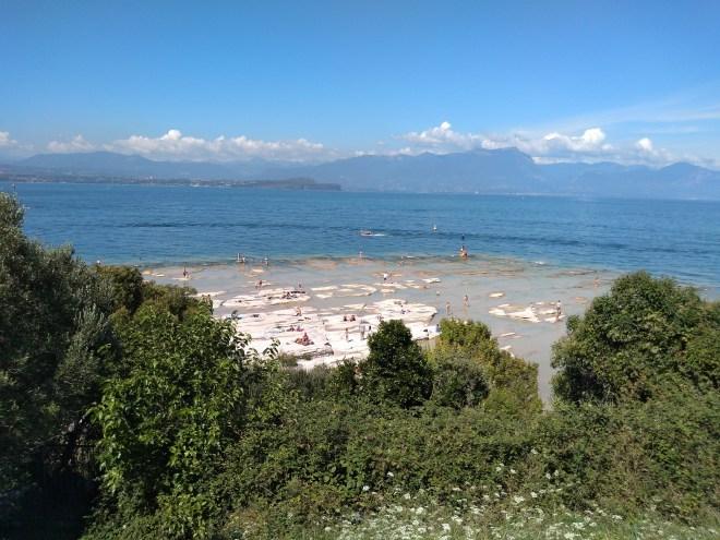 Lago de Garda Sirmione praia jamaica de cima