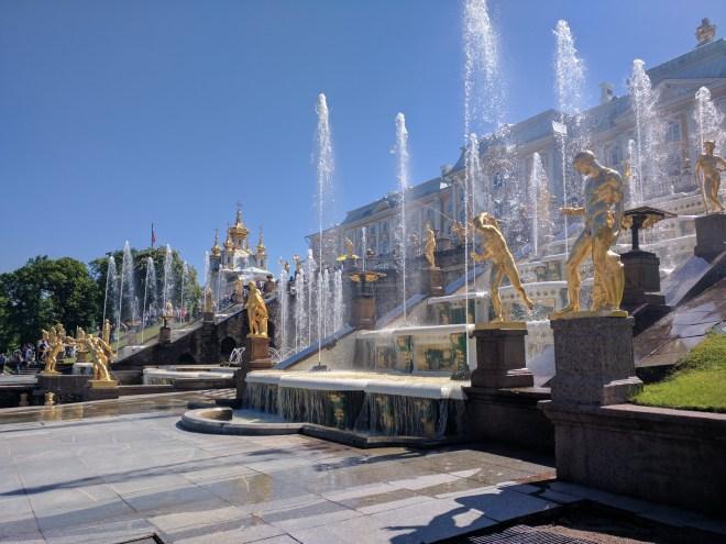 Petergof Russia Petersburgo grande cascata 2