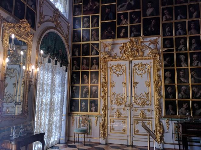 Petergof Russia Petersburgo palacio galeria