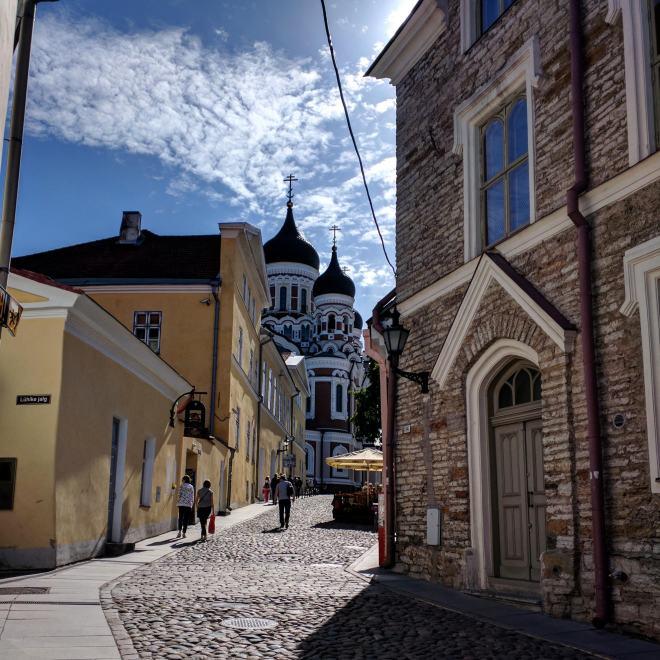 Tallinn centro histórico colina Toompea catedral Alexandre Nevski