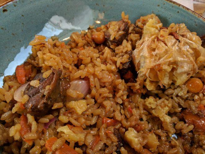 Plov de cordeiro marketplace petersburgo comida uzbequistão