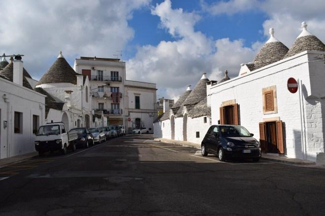 Puglia Alberobello trulli rione aia piccola 2