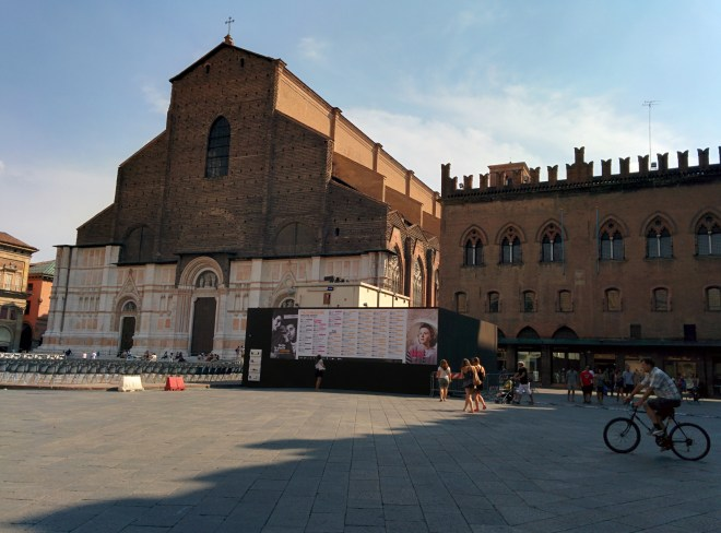 Bologna pizza maggiore palazzo dei notai