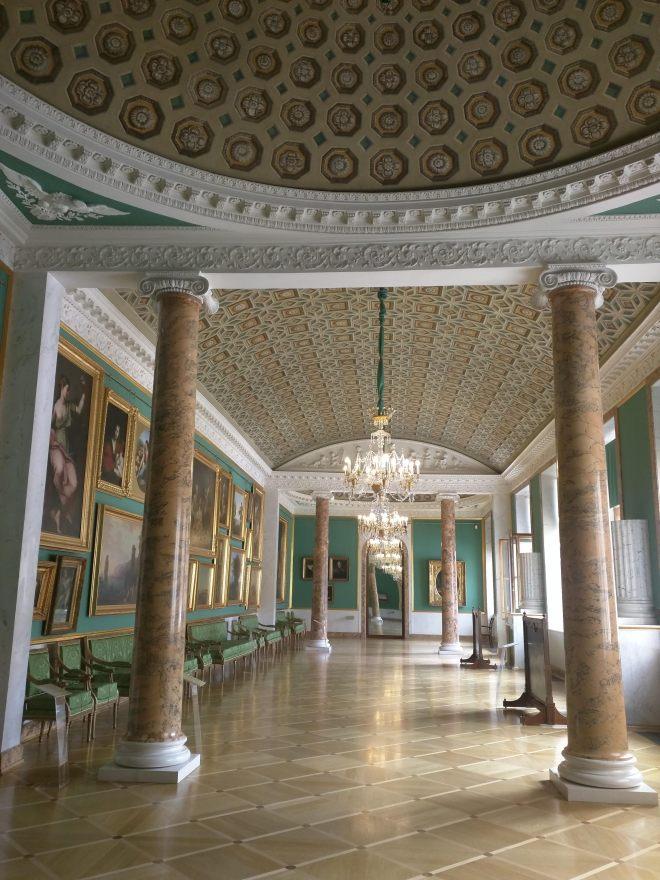 Petersburgo museu russo palacio stroganov quadros