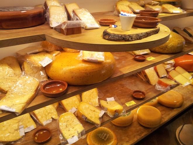 comida holandesa queijos