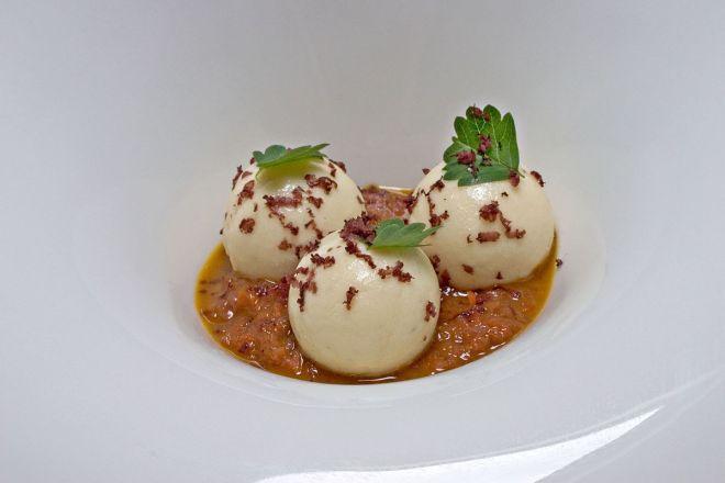 gnudi prato tipico toscana